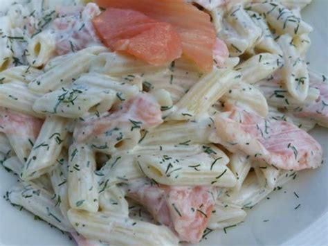 pates aux saumon fume recettes de salade de p 226 tes et saumon fum 233