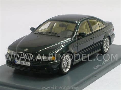 dark green bmw neo bmw 530d e39 2002 metallic dark green 1 43 scale