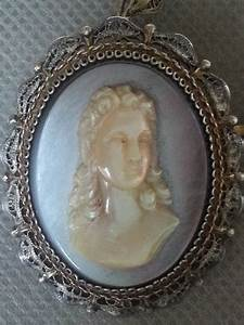 Pendant - cameo on grey mother of pearl - 800 silver ...