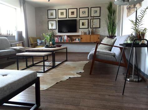bilder wohnzimmer kuhfell bilder ideen couchstyle