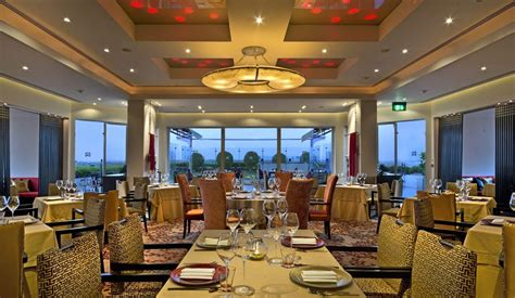 delhi cuisine luxury restaurants in delhi at itc maurya