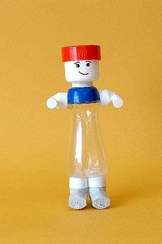 juguetes a partir de materiales reciclados humano