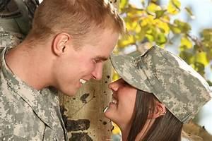 how to meet single military men