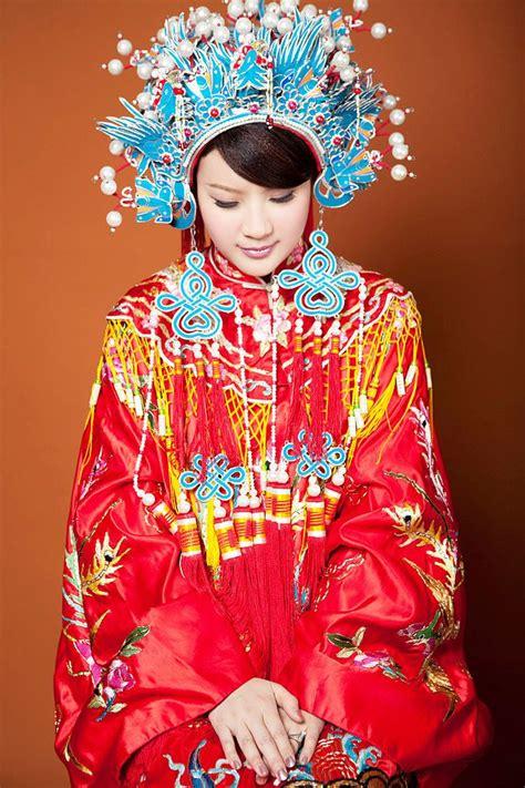 wedding traditions china  taiwan chinese bride