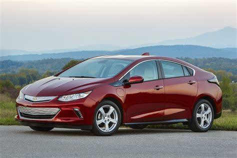 chevy volt pictures  images gallery gm