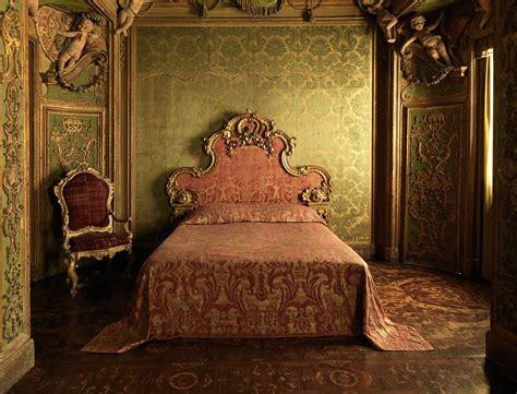 stuccowork   abbondio stazio bedroom