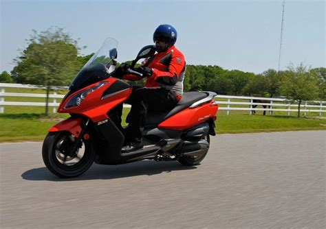 Kymco Downtown 250i Image by 2012 Kymco Downtown 200i Gallery 468748 Top Speed