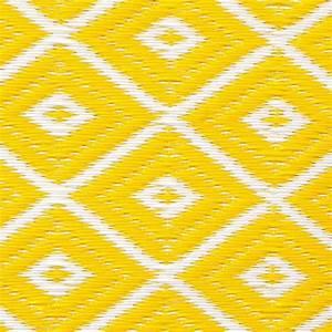 Outdoor Teppich Polypropylen : garten im quadrat outdoor teppich arabien gelb wei ~ Michelbontemps.com Haus und Dekorationen