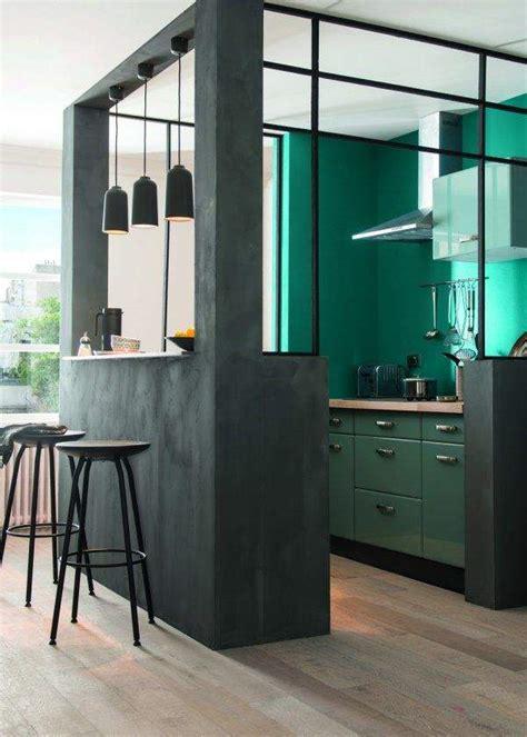 installer un comptoir de cuisine la verrière intérieure une cloison tendance