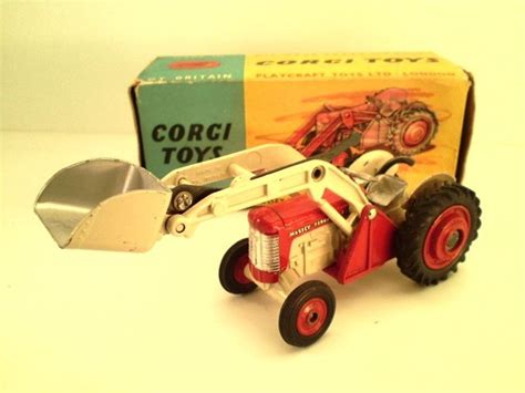 corgi toys diecast massey ferguson 65 tractor shovel with original box other
