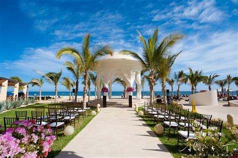 whats   time  year   destination wedding