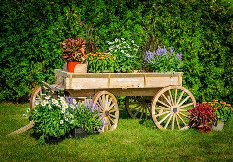 Rustic Garden Wagon Ideas For Country