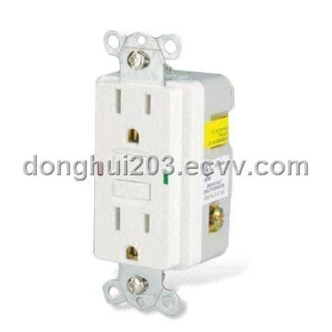 Gfci Ground Fault Circuit Interrupter Receptacle With Led