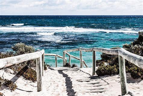 petit canapé chambre ado papier peint plage et bord de mer direction baignade