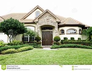 House Style Palettenkissen : casa inglese di stile immagine stock immagine di tetto ~ Articles-book.com Haus und Dekorationen
