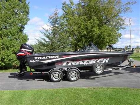 Walleye Boats For Sale In Wisconsin by Tracker Boat For Sale From Walleyes Inc