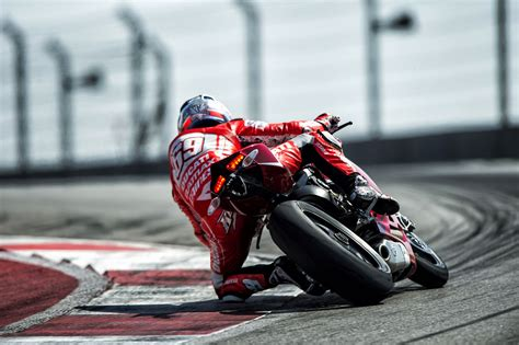2013 Ducati 1199 Panigale R Official Pictures