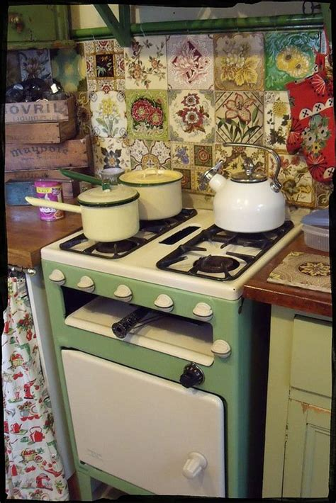 cabin kitchen cabinets 400 best antique stoves and refrigerators images by bob 1904