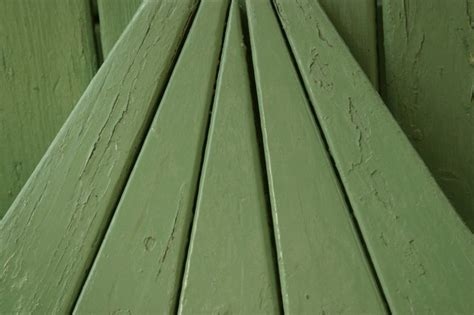 difference  solid color deck stain