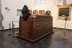 Tomb of the Frisian Nassau Women - History of Royal Women