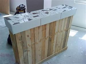 Bar and blog on pinterest for Idee deco cuisine avec fabrication de table en bois