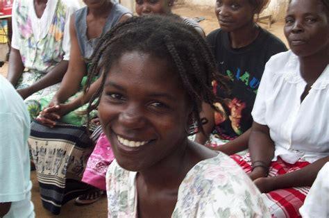 women  angola wikipedia