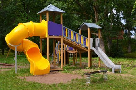 Bērnu rotaļu laukums Sabilē, Rambulītes parkā - Sabiles ...