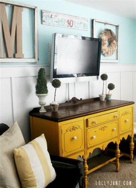 decor above tv best 25 wall mounted tv ideas on mounted tv