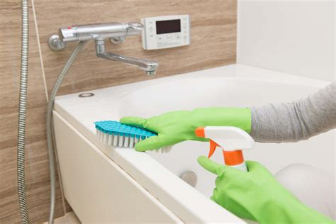 cleaning tub with how to clean a bathroom fast reader s digest