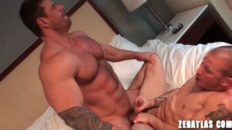 Bodybuilder Zeb Atlas Sings Love Hangover And Fucks Brenn Wyson