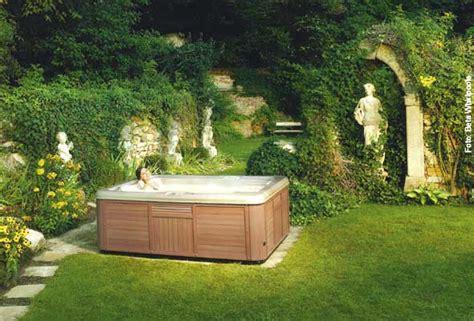 Whirlpool Im Garten Lärmbelästigung by Whirlen Unter Freiem Himmel