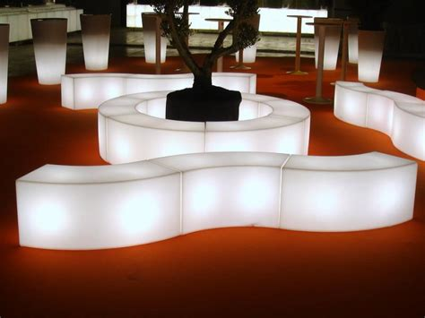 location mobilier de bureau location de mobilier lumineux événementiel sur lille
