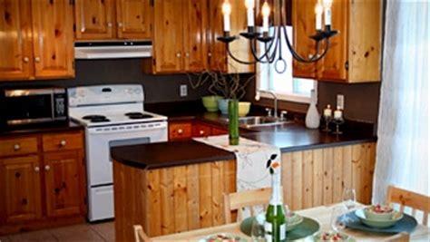 peinturer un comptoir de cuisine peinture pâle ou foncée