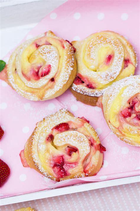 erdbeer vanillepudding schnecken rezept verzuckert blogde