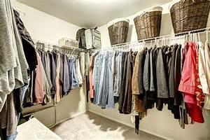 Alternative Zum Kleiderschrank : alternative zum kleiderschrank diese m glichkeiten gibt es ~ Frokenaadalensverden.com Haus und Dekorationen