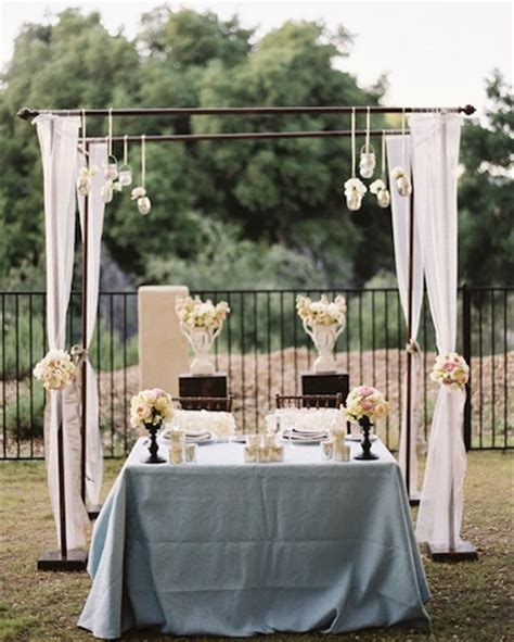 decorate wedding ceremony table wedding trends sweetheart tables