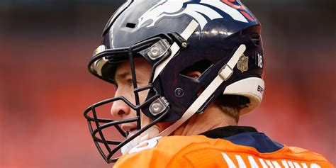 Reports Peyton Manning Telling Friends Hell Retire