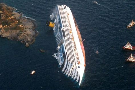 cruise ship sinking italy former costa concordia cruise ship captain francesco
