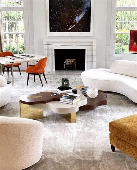 Minimalist Glam Livingroom #creams #beigechampagne