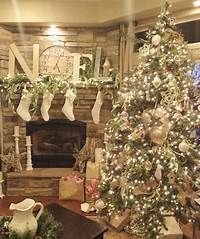 beautiful christmas decorations 25 Creative and Beautiful Christmas Tree Decorating Ideas