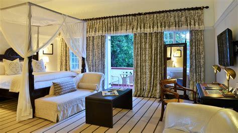 honeymoon suites   victoria falls hotel