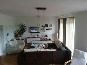 Couch Mitten Im Raum : heimkinosystem bis 800 fotos von wohnzimm anbei kaufberatung surround heimkino hifi forum ~ Bigdaddyawards.com Haus und Dekorationen