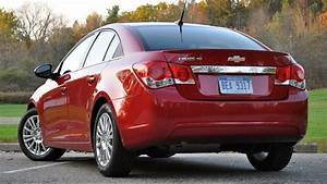 G M  Recalls 293 000 Chevrolet Cruze Models Over Braking