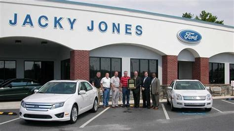 Jacky Jones Ford : Cleveland, GA 30528 7156 Car Dealership