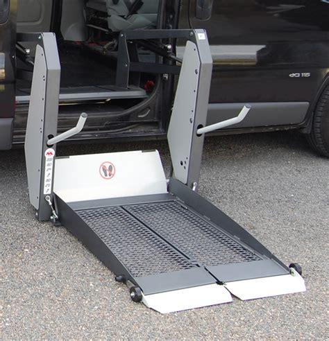 re escalier pour handicape handitec handroit amenagement du vehicule hors conduite