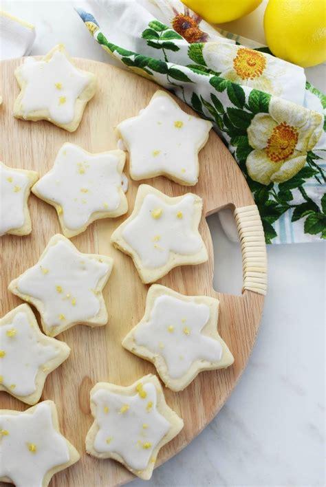 Sprinkle with coarse sugar, let. Lemon Christmas Cookie Icing - Lemon Thumbprint Cookies | Holiday Baking | Christmas Cookies ...