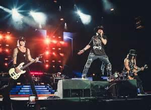 Guns and Roses Tour 2017