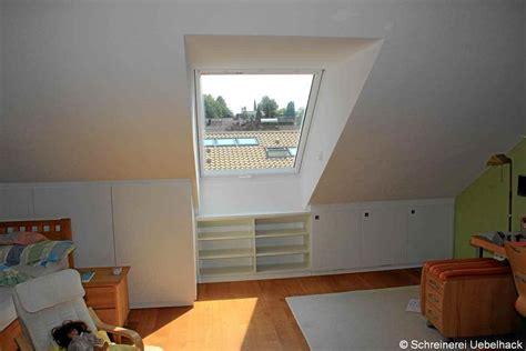 Ankleidezimmer Mit Dachschräge by Stauraum Dachschr 228 Ge Regalsystem Ankleidezimmer