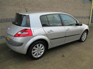 Renault Megane 1 6 2007 Technical Specifications