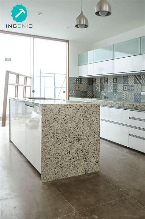mueble de cocina  acabado poliuretano blanco muebles